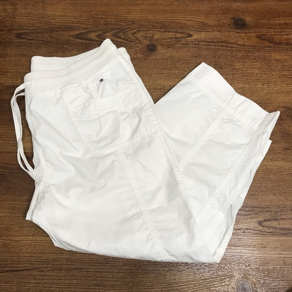 3/$25 Tommy Hilfiger white Capri pants